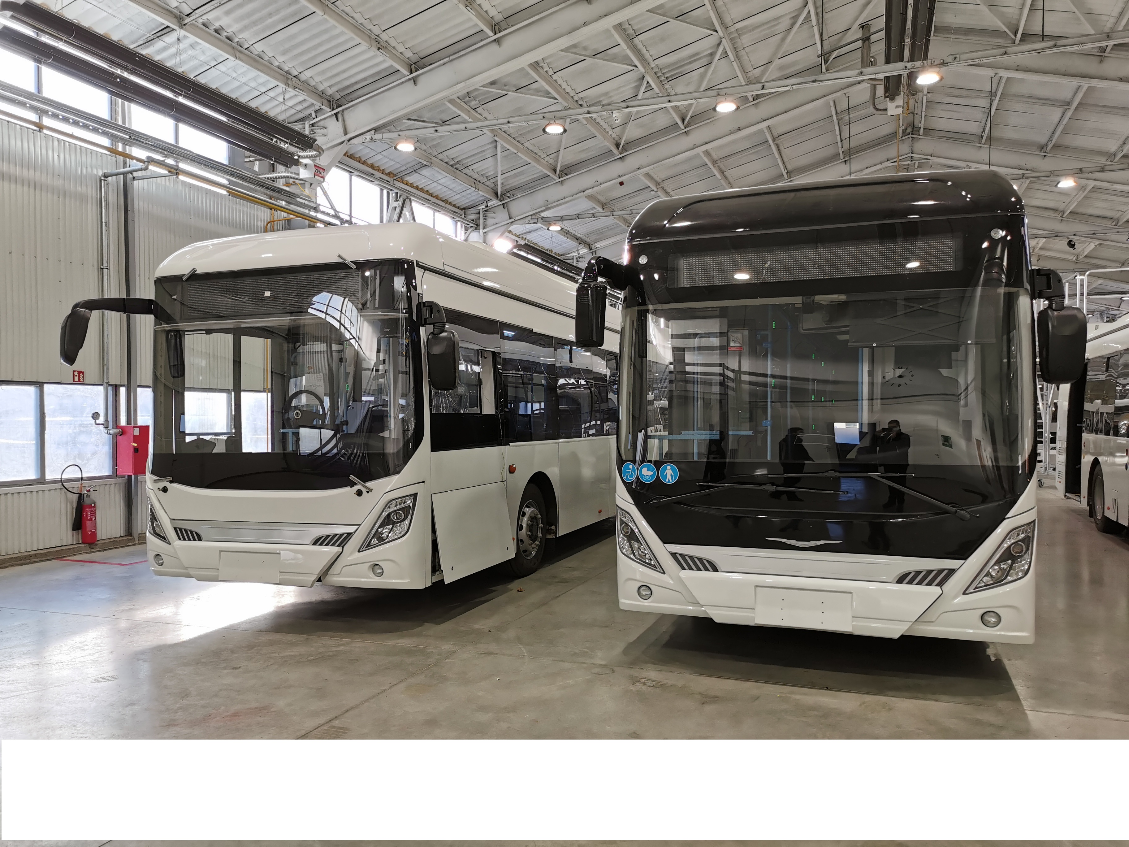 Pure electric bus manufacturing